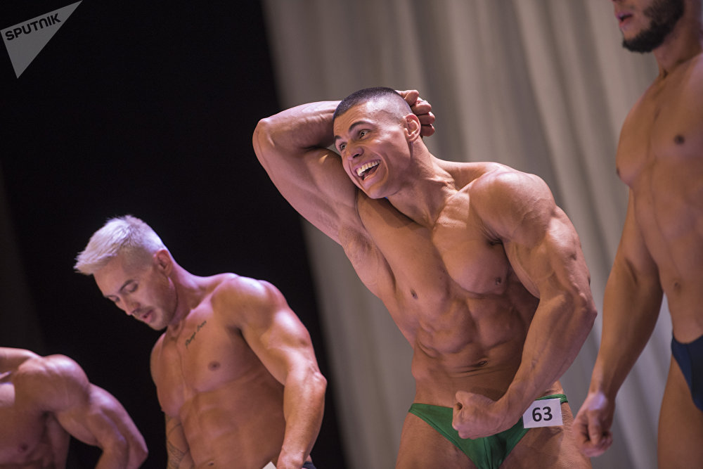 Чемпионат Кыргызстана по бодибилдингу, фитнес бикини и мэнс-физик в Бишкеке
