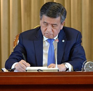Президент Сооронбай Жээнбеков журналисттерге маалымат жыйынында