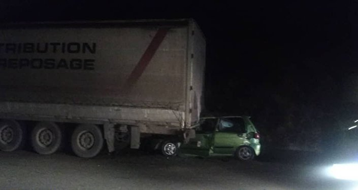 Matiz врезался в грузовик в Ноокатском районе