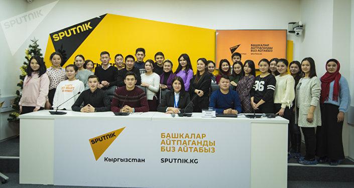 SputnikPro — это серия презентаций и мастер-классов ведущих специалистов, которые готовы поделиться знаниями с журналистами, пресс-секретарями и студентами старших курсов вузов, обучающимися по специальности.