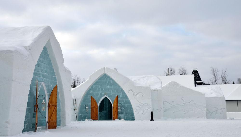Ледяной отель l'Hotel в Квебеке (Канада)