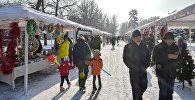В центре Бишкека в пятницу, 21 декабря, открылась рождественская ярмарка
