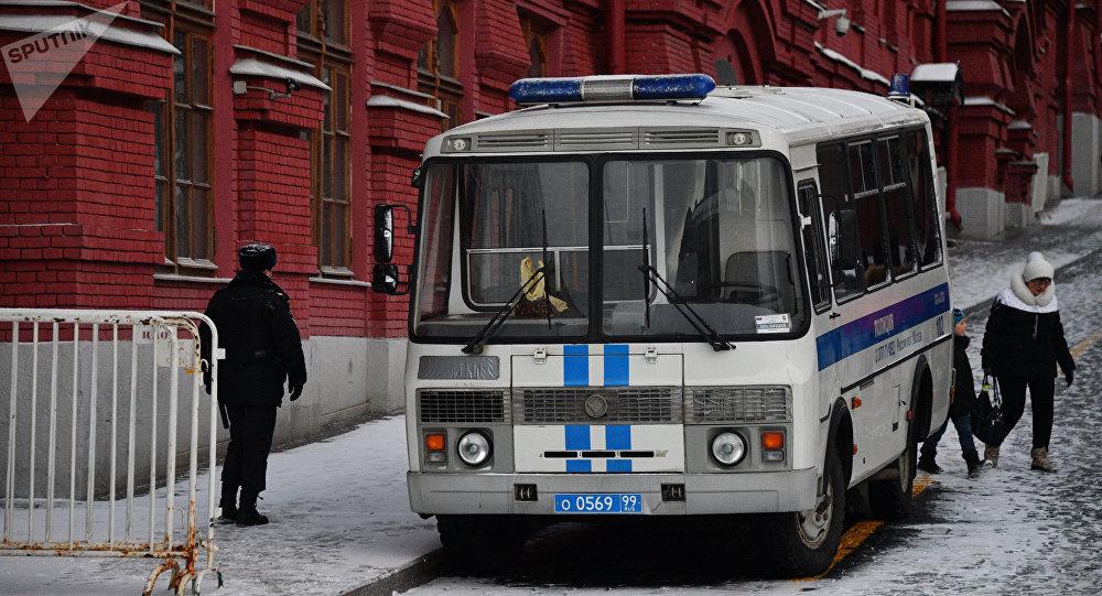 Автобус оперативного полка полиции в Москве. Архивное фото