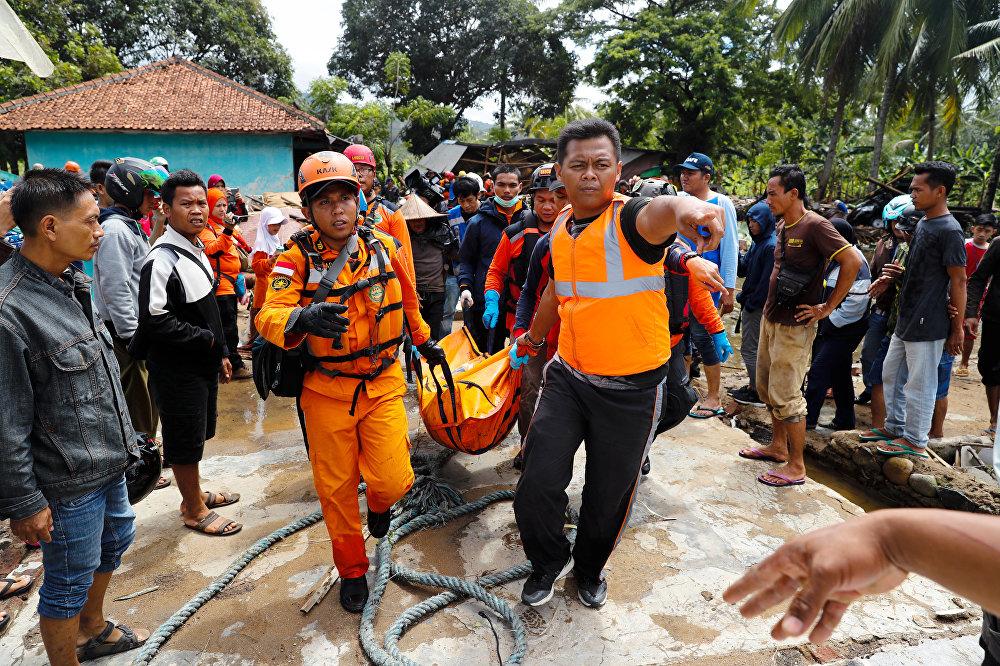 Индонезиядагы цунамиде каза болгондордун саны бүгүн 281ге жетти