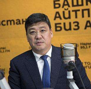 Өнүгүү — Прогресс фракциясынын лидери Бакыт Төрөбаев. Архивное фото