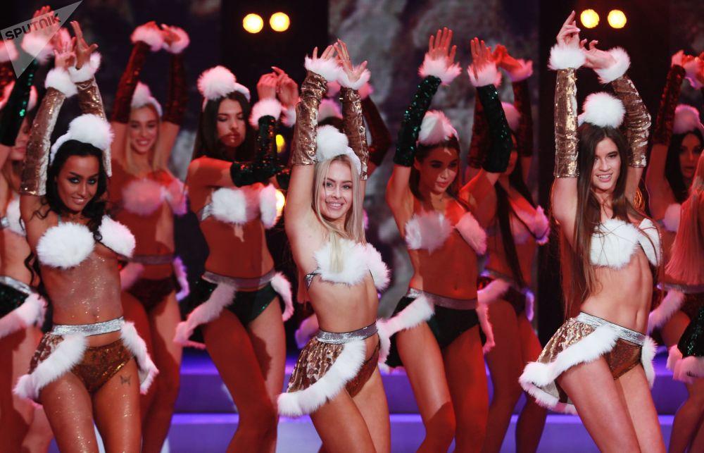 За корону первой красавицы Москвы боролись 49 девушек