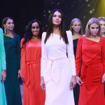 Участницы конкурса Мисс Москва — 2018, в центре — победительница Алеся Семеренко