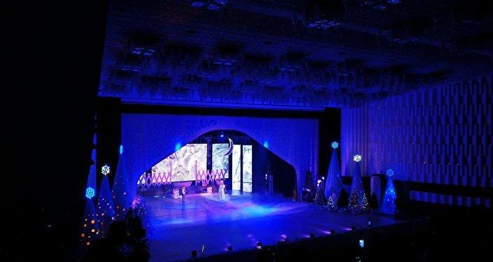 Президентская елка в филармонии Бишкека