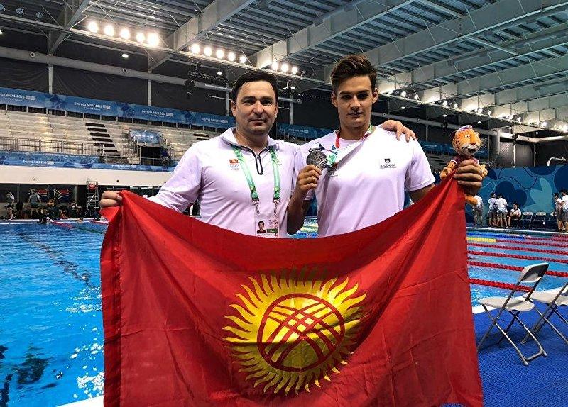 Пловец Денис Петрашов  завоевал серебрянную медаль на олимпиаде в Аргентине
