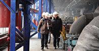 Премьер-министр Мухаммедкалый Абылгазиев Бишкек ТЭЦинин ишин көзөмөлдөп, ишкана жетекчилери менен жылытуу сезонун талкуулады