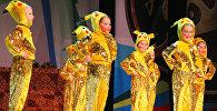 26 декабря в Бишкеке состоялась новогодняя елка для тысячи детей с нарушениями речи, зрения, опорно-двигательной системы, умственного развития