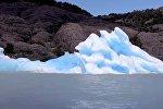 Айсберг ожил на глазах у туристов — редкое явление сняли на видео
