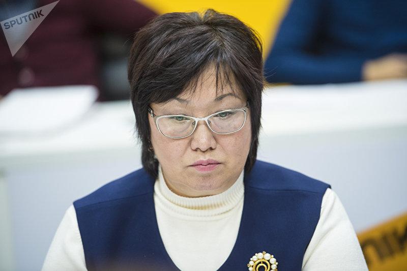 Координатор по мониторингу реализации программ правительства по защите детей при правительстве Екатерина Хорошман на круглом столе в мультимедийном пресс-центре Sputnik Кыргызстан