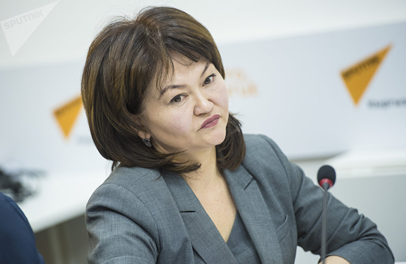 Глава общественного фонда Лига защитников прав ребенка Назгуль Турдубекова на круглом столе в мультимедийном пресс-центре Sputnik Кыргызстан