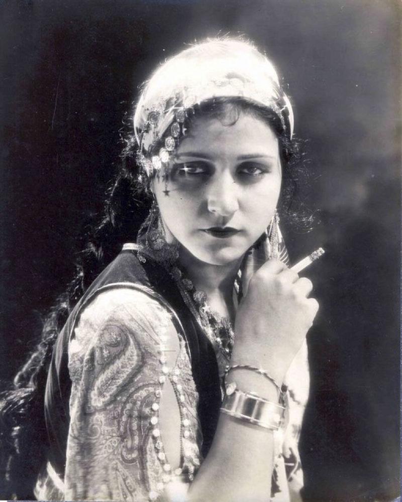 Одна из ранних звезд индийского немого кино Сулочана или иначе Руби Майерс. 1933 год. Период в 1925-1939 годов назван эрой Сулочаны в хинди-кинематографе.