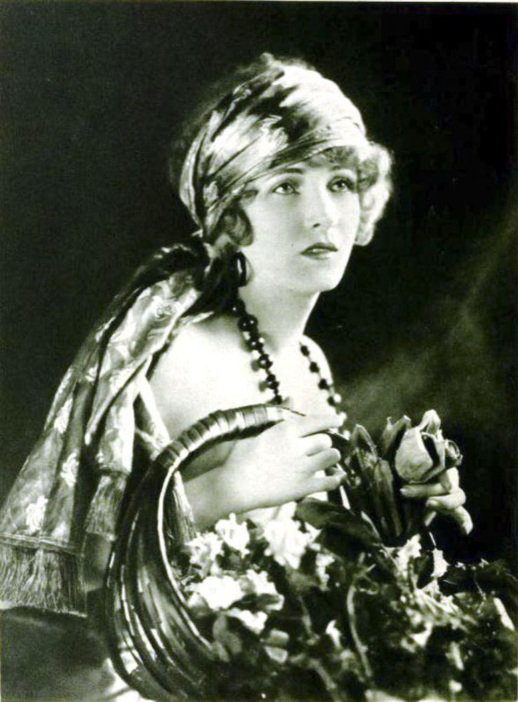 Американская актриса немого кино Клер Виндзор, 1921 год