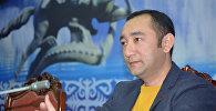 Экс-депутат Музаффар Исаковдун архивдик сүрөтү