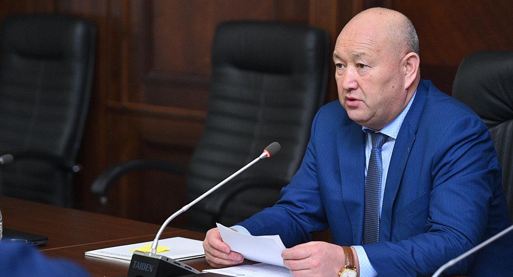 Архивное фото вице-премьер-министра Жениша Разакова