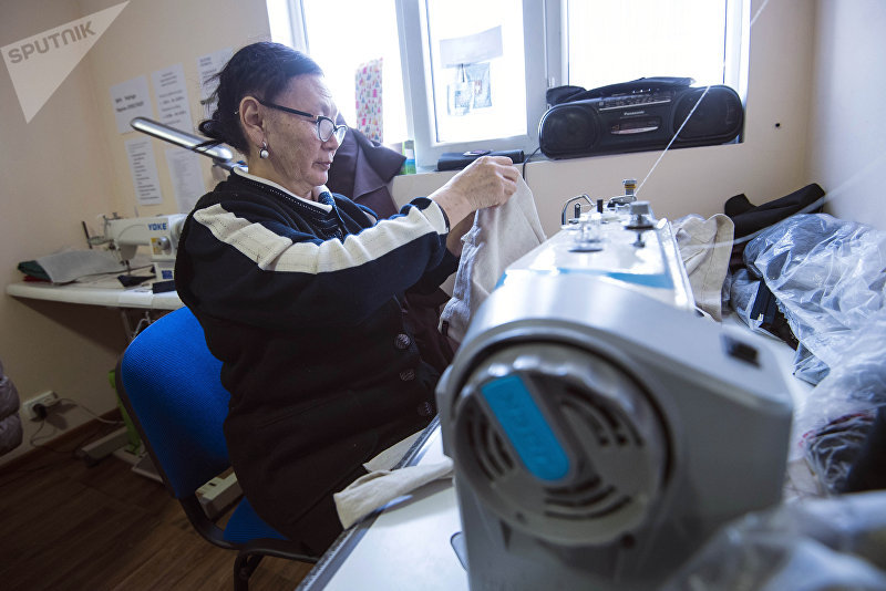 Швея Шайыр Сагынбаева, которая борется с онкологической болезнью