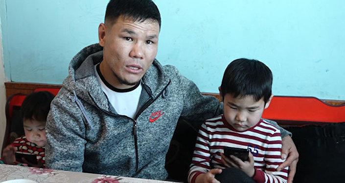 Уулум элдин балдарындай сүйлөп кетсе... Кыргызстандык Тайсондун жашыган видеосу
