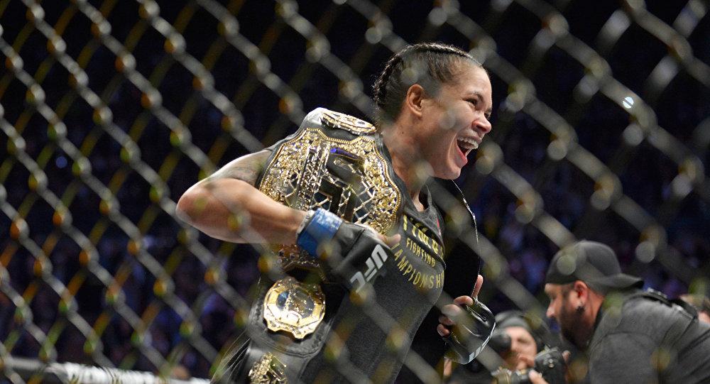 Действующая чемпионка UFC в легчайшем и полулегком весе Аманда Нуньес. Архивное фото
