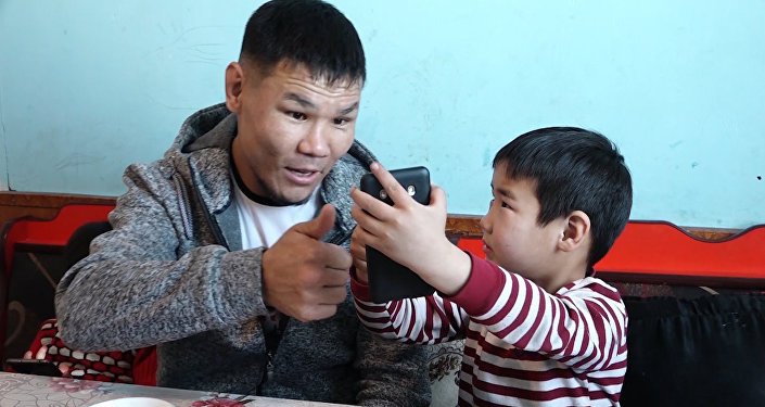 Глухонемой сын кыргызского Тайсона нуждается в дорогом лечении — видео
