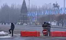 Перекрытие на площади Ала-Тоо в Бишкеке. Архивное фото