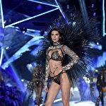 Второй раз подряд в рейтинге побеждает американская супермодель Кендал Дженнер. За год 23-летняя сестра Ким Кардашьян заработала 22,5 миллиона долларов.