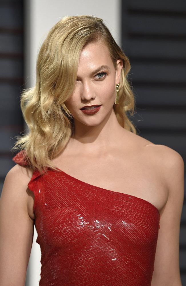 На второй строчке другая топ-модель из США — Карли Клосс. Доход бывшего ангела Victoria's Secret составил 13 миллионов долларов.