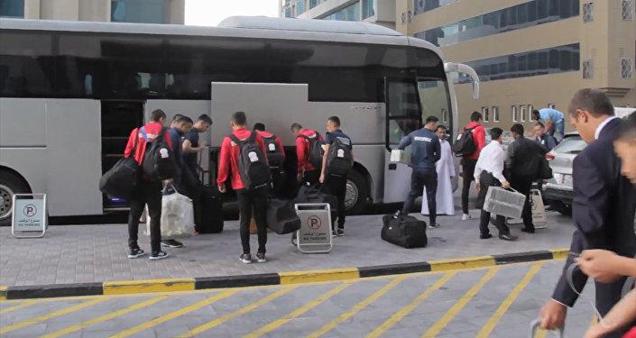 Футболисты сборной Кыргызстана отправились на Кубок Азии. Видео