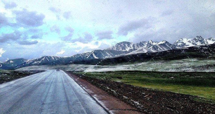 За три месяца Данила объехал автостопом Алтай, Абхазию, Казахстан, Узбекистан, Кыргызстан и Монголию