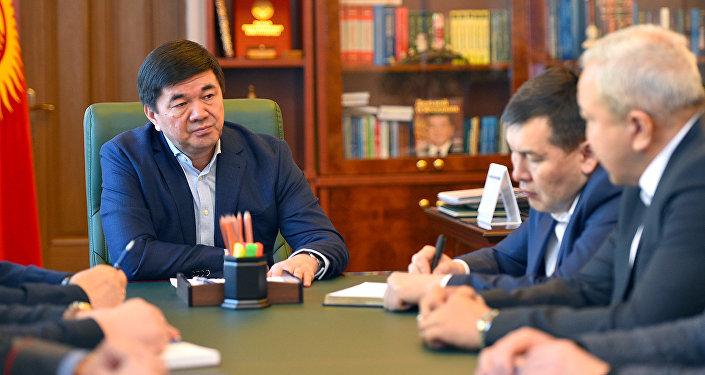 Премьер-министр Мухаммедкалый Абылгазиев провел совещание по вопросам обеспечения общественного порядка