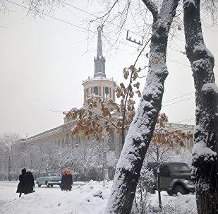 Здание Фрунзенского политехникума в городе Фрунзе