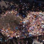 Кемероводогу Зимняя вишня оюн-зоок борборундагы өрттөн каза болгондордун жаркын элесине арналган гүлчамбар. 9-март