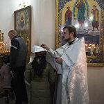 В молитвах верующие поклоняются Христу, как это сделали пастухи и волхвы с дарами