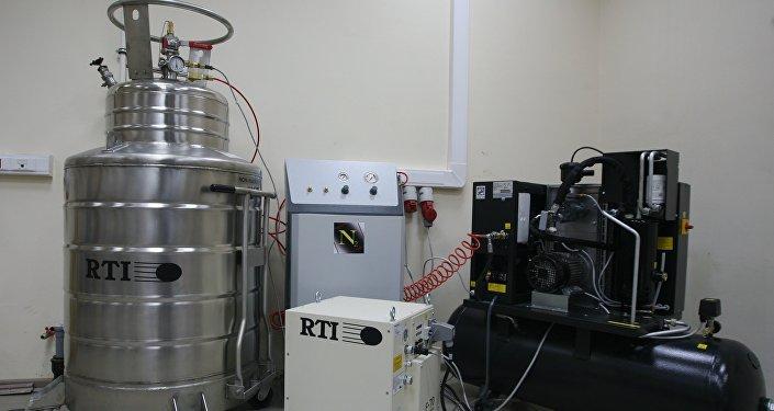 Из России в Кыргызстан завезли оборудование для обезвреживания ртутных отходов и производства жидкого азота