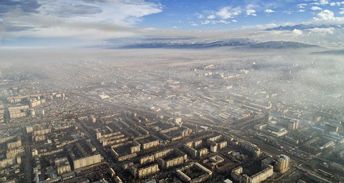Вид на Бишкек и Чуйскую область. Архивное фото