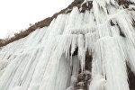 Как в сказке! В Китае замерзли водопады — завораживающее видео