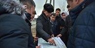 Мэр Бишкека Азиз Суракматов осмотрел место строительства парка на пересечении улицы Токтоналиева и Южной магистрали