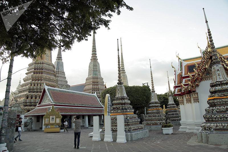 Храм Ват Пхо, где появился тайский массаж