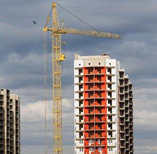 Строительство многоэтажных домов. Архивное фото