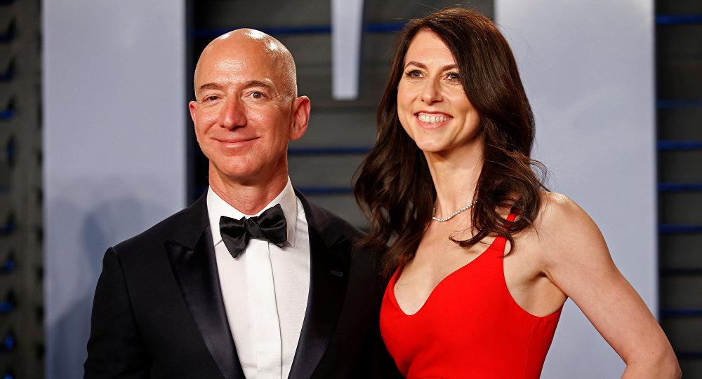Глава и основатель интернет-компании Amazon Джефф Безос и его жена Маккензи Безос