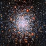 Рассеянное скопление NGC 1866, которое находится в Большом Магеллановом Облаке