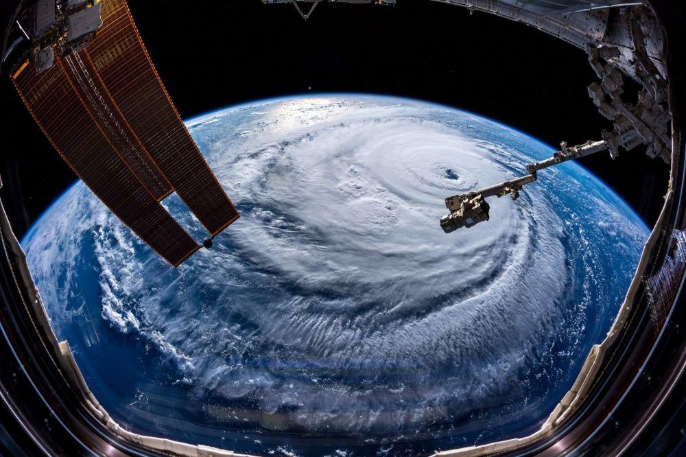 Ураган Флоренс, сфотографированный астронавтом Александром Герстом с МКС