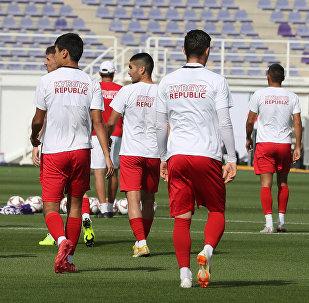Кубок Азии по футболу. Сборная Кыргызстана во время тренировок. Архивное фото