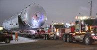 В Канаде перевозили трубу невероятных размеров — впечатляющее видео
