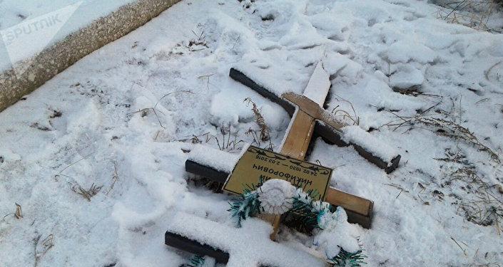 Погром на православном кладбище в Ананьево