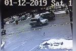 Бишкекте унаа жөө адамды учура сүзгөн видео