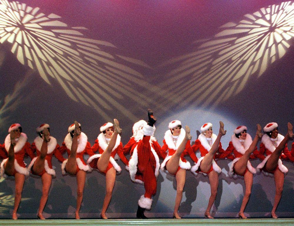 Танец Кан-Кан в исполнении того же коллектива Rockettes из Нью-Йорка