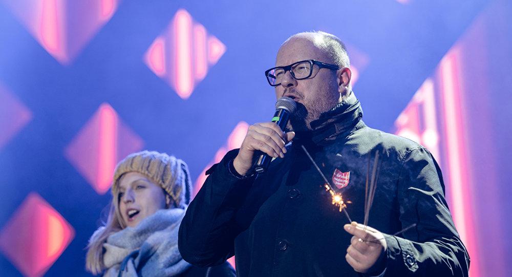 Мэр Гданьска (Польша) Павел Адамович на благотворительном концерте в Гданьске, Польша, 13 января 2019 года